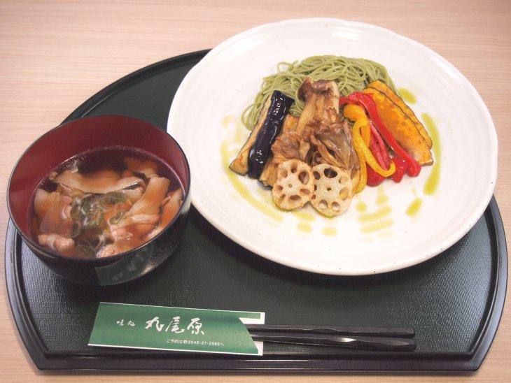 彩り野菜のつけ肉蕎麦-s